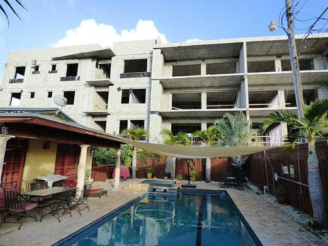 Maureen house pool.JPG
