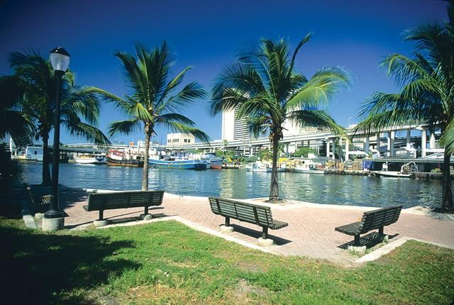 Miami-River-Jose-Marti-Park,-Little-Havana.jpg