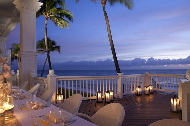 "Pelican Grand Beach Resort ""Romance on the Beach"".jpg"